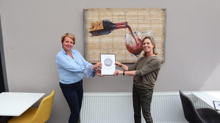 Hart van de Betuwe en Restaurant de Betuwe ontvangen certificaat Betuws Best
