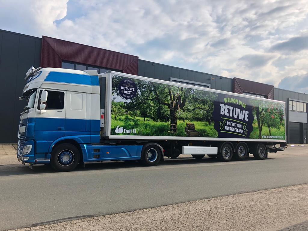 Vrachtwagen met logo Betuws Best